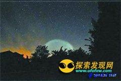 平遥古城夜间惊现UFO持续约40分钟