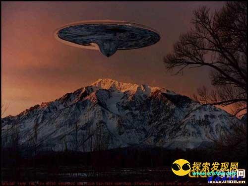 上海虹口杨浦夜空惊现2个V字形UFO