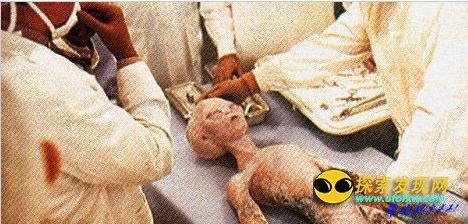 美国空军收存坠落UFO和外星人尸体曝光