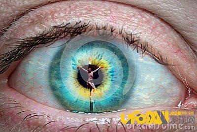 黑科技实验室正在研究的技术:角膜反射,揭示旁人