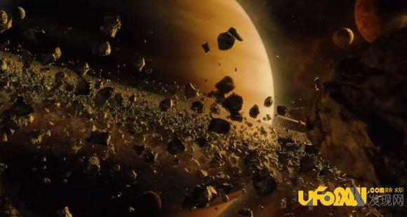 人类探索木星的历史过程 1610年:伽利略进行了首次详细的木星观测; 1973年:美国宇航局的先驱者-10号飞船成为首个穿越小行星带的人类航天器,并飞掠木星; 1979年:美国宇航局的旅行者1号和2号飞船发现了木星暗弱的光环,几颗新的卫星,并发现在木卫一表面存在活火山爆发;