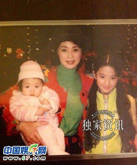 刘亦菲外婆年轻照片:一家子都是大美女