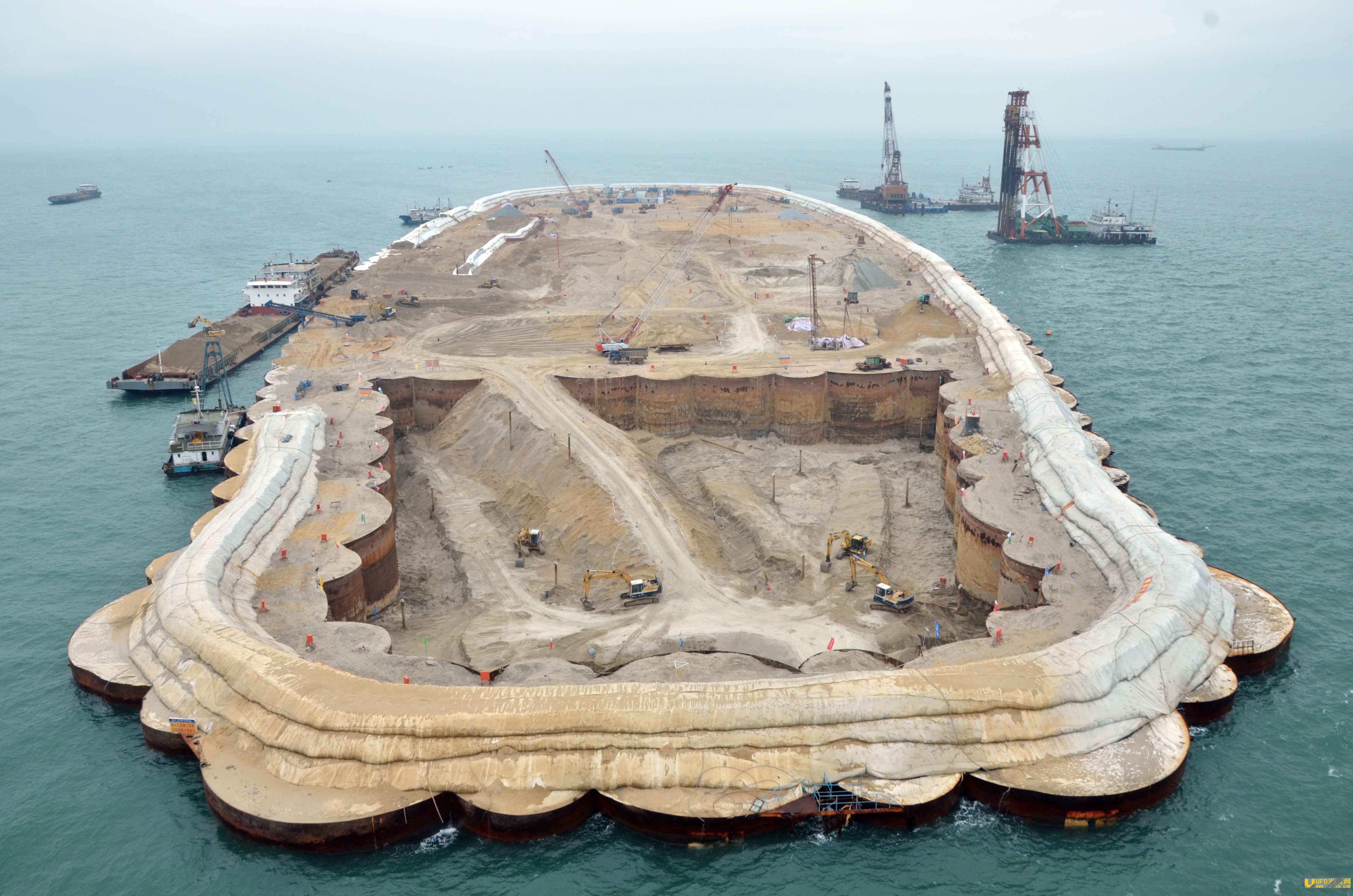 港珠澳大桥是谁投资的 烂尾后几百年也收不回成本 2