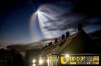 外星人进入地球? 神秘发光球体频频出现