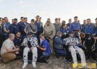 俄罗斯及法国太空人完成196日任务着陆哈萨克