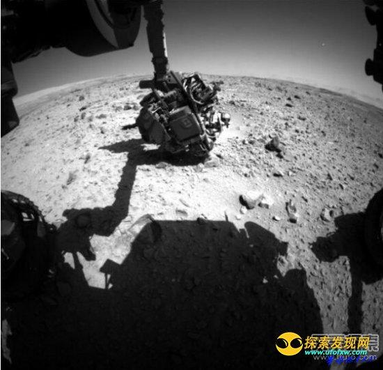 好奇号火星车拍到神秘物体飞行轨迹