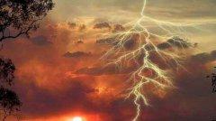 耶稣被雷击!揭秘遭天打雷劈诡异事件