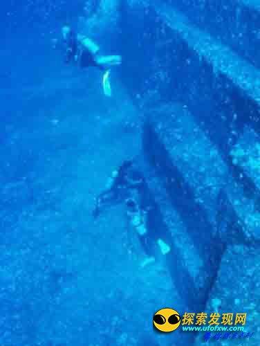 """一座位于太平洋的""""水下金字塔"""""""