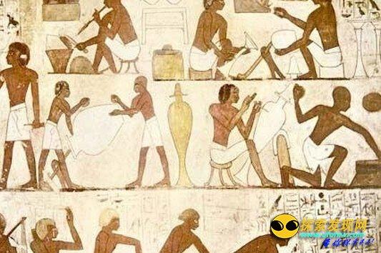 埃及金字塔不是奴隶建造(2)    石板两面都刻有古埃及的象形文字,记载