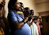 """心灵的痛:印度""""造婴工厂"""